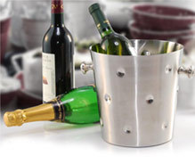 dotted premium wine bucket