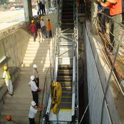 Escalator Hoisting