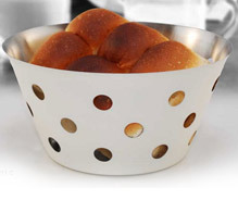 white bread basket