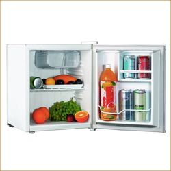 White Westinghouse Compact Refrigerators