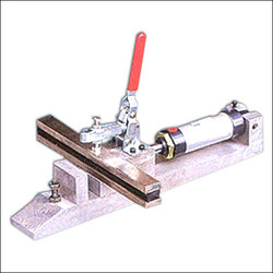 Pneumatic Fabric Stretching Clamp