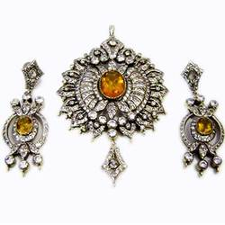 Indian Jewelry 99: Indian Victorian Jewelry